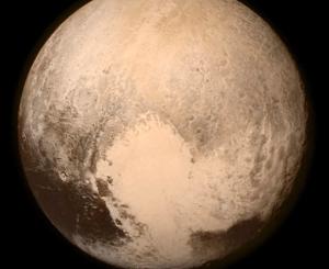 Pluto mit Herz